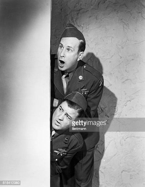 1947 Bud Abbott and Lou Costello the greatest comedy team of our time in a scene from 'Buck Privates Come Home' showing wideeyed openmouth facial...