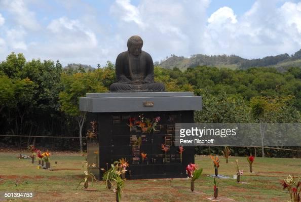 buddha figur kauai memorial gardens funeral home insel kauai hawaiian island s pictures getty images - Memorial Garden Funeral Home