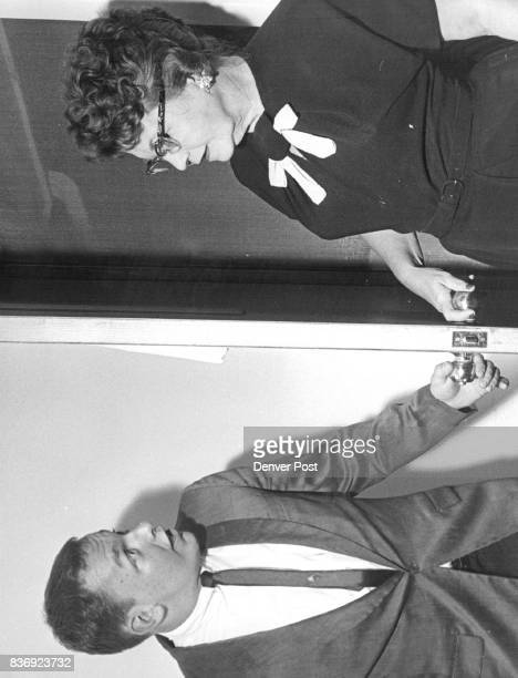 Buddy Baker is startled by the appearance of his Aunt Gussie instead of a beautiful Young girl when the opens door of brother's bachelor apartment...
