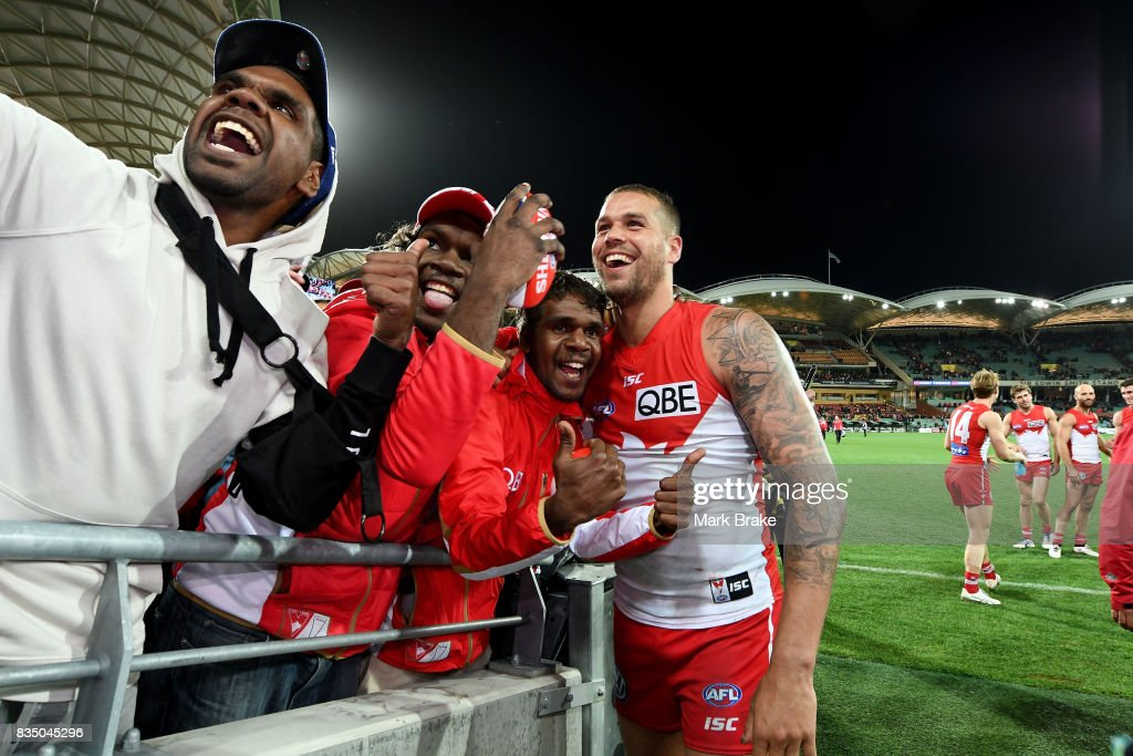 Buddy Franklin of the Swans thanks his supporters during the round 22 AFL match between the Adelaide Crows and the Sydney Swans at Adelaide Oval on August 18, 2017 in Adelaide, Australia.