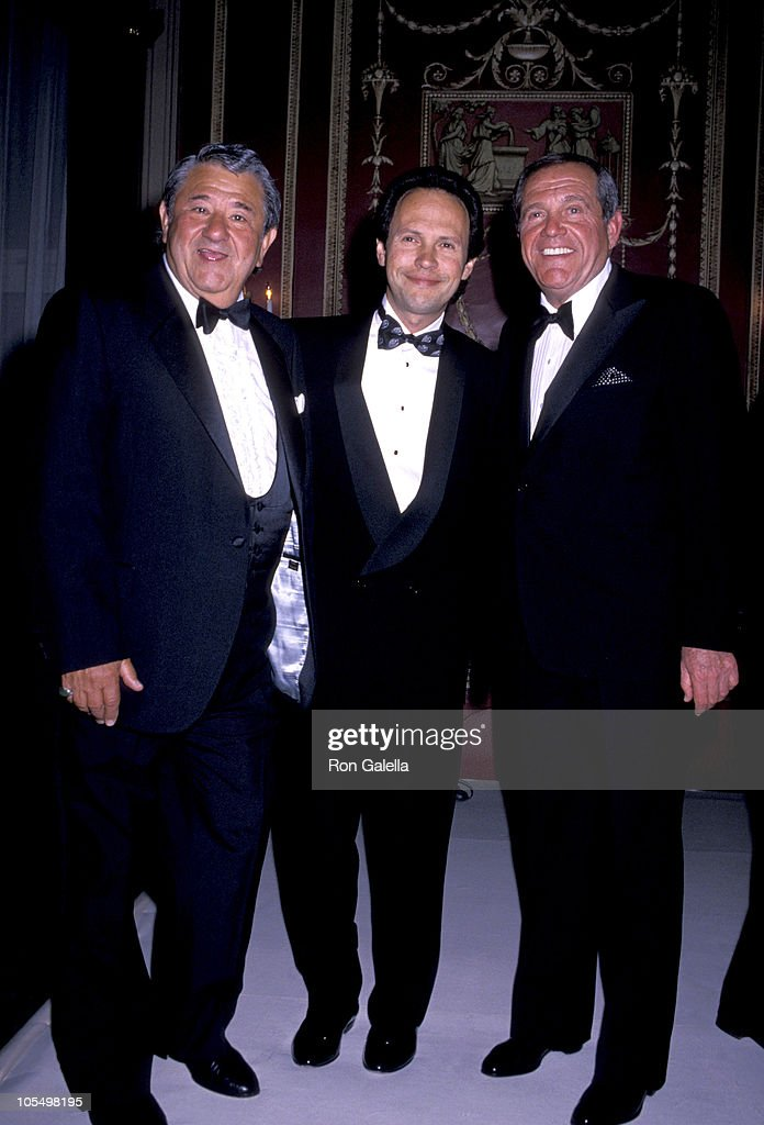 <a gi-track='captionPersonalityLinkClicked' href=/galleries/search?phrase=Buddy+Hackett&family=editorial&specificpeople=224801 ng-click='$event.stopPropagation()'>Buddy Hackett</a>, <a gi-track='captionPersonalityLinkClicked' href=/galleries/search?phrase=Billy+Crystal&family=editorial&specificpeople=202497 ng-click='$event.stopPropagation()'>Billy Crystal</a> & Alan King at the Friar's Roast featuring Alan King