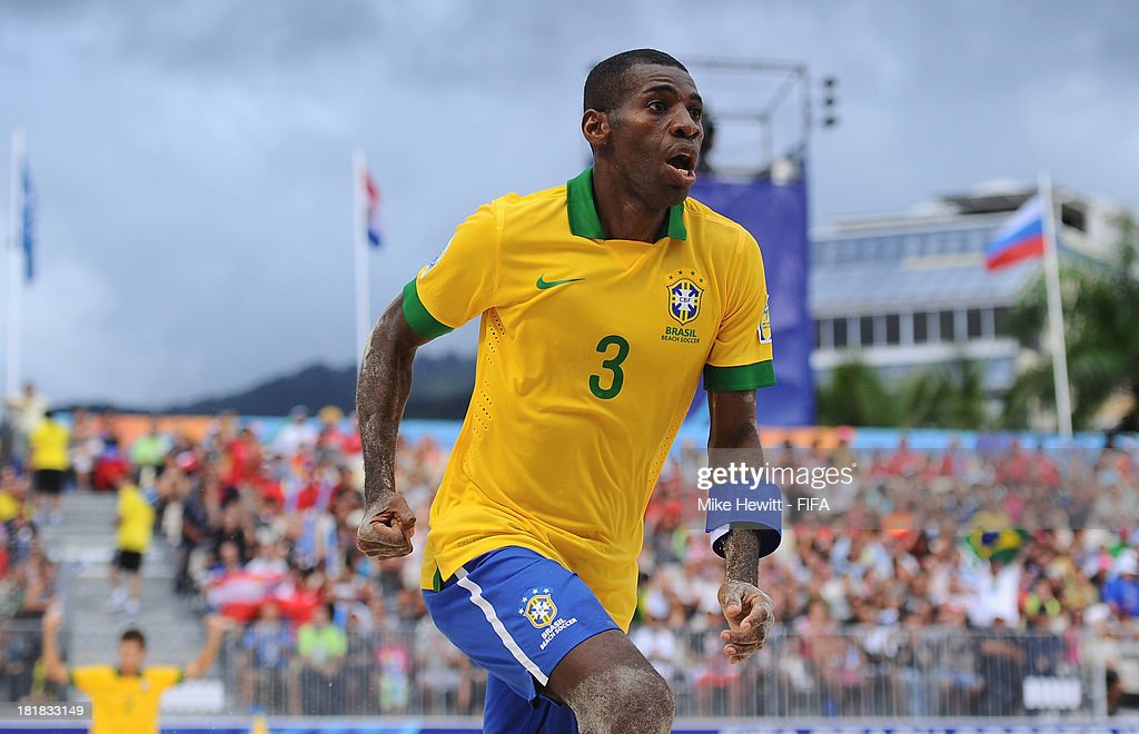 Bueno of Brazil celebrates after scoring the winning goal during the FIFA Beach Soccer World Cup Tahiti 2013 Quarter Final match between Brazil and Japan at the Tahua To'ata Stadium on September 25, 2013 in Papeete, French Polynesia.
