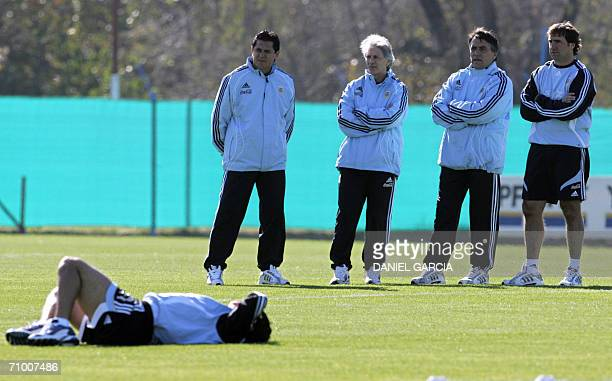 Argentine trainer team Ubaldo Fillol National coach Jose Pekerman Hugo Tocalli and Nestor Lorenzo observe the training of the team for the upcoming...