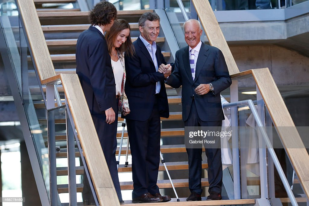Buenos Aires City Mayor and candidate for President Mauricio Macri (3 L-R), Vice-Mayor Maria Eugenia Vidal (2 LR) and British architect Norman Foster (4L-R) during the official ceremony to inaugurate the new headquarters of Buenos Aires City Government at Centro Civico Parque Patricios on April 01, 2015 in Buenos Aires, Argentina. The headquarters government have been moved from their long-standing offices on the Plaza de Mayo to the south of the city in Parque Patricios neighbourhood. The building, designed by multiple award-winning British architect Norman Foster contains a number of wholly sustainable features.