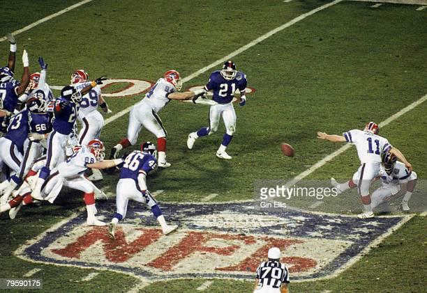 Buffalo Bills kicker Scott Norwood attempts a 47 yard field goal in the final seconds of Super Bowl XXV against the New York Giants on Norwood's kick...