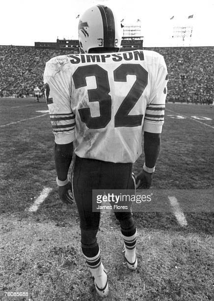 Buffalo Bills running back OJ Simpson inducted into the Pro Football Hall of Fame class of 1985 in 1974