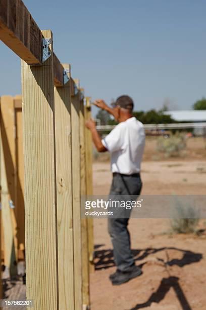 Haus mit einem Zaun-Serie