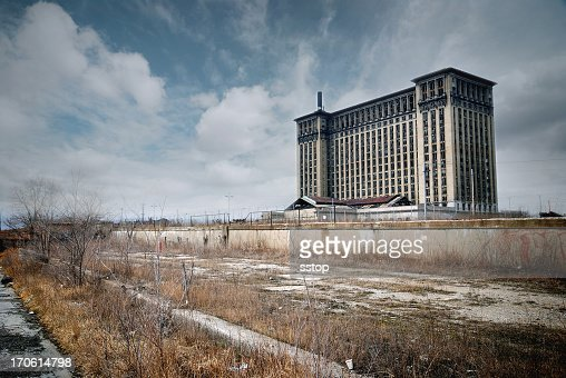 A building in The empty Detroit