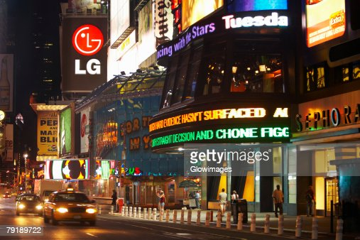 Building lit up at night, Times Square, Manhattan, New York City, New York State, USA : Foto de stock