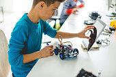 School project :  robotic car toy