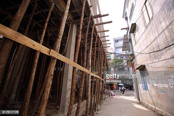 A building stands under construction in Ap Don hamlet Bac Ninh Province Vietnam on Thursday Sept 1 2016 Samsung Electronics Co and its affiliate have...