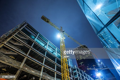 工事中の建物