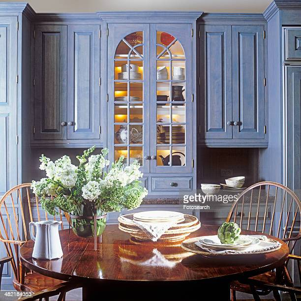 Built-in hutch with teapots and pitchers