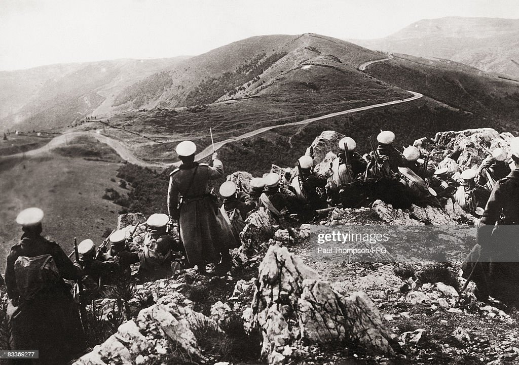 Bulgarian infantry on the Turkish frontier, shortly before their attack on the city of Adrianople during the First Balkan War, 1913.