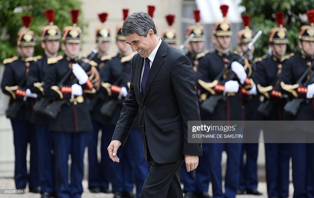 Bulgarian President Rosen Plevneliev arrives to meet French President on June 27, 2016 at the Elysee Presidential Palace in Paris. / AFP / STEPHANE