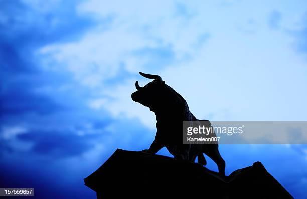 Bull estatua de Silhouette