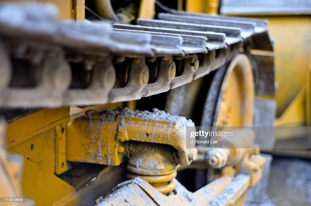 Bulldozer treads
