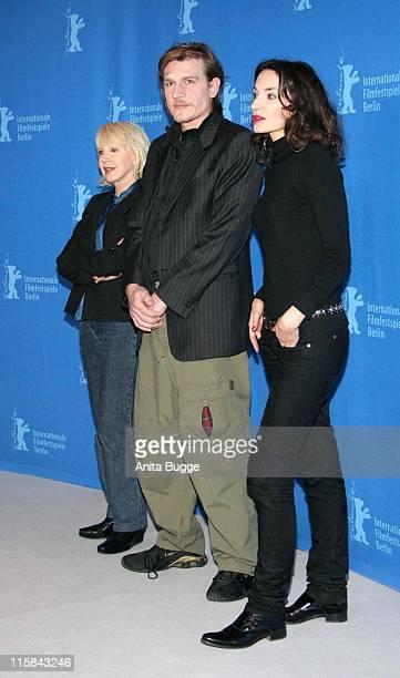 Bulle Ogier Guillaume Depardieu and Jeanne Balibar