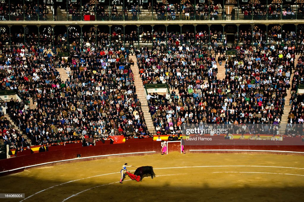 Bullfighter <a gi-track='captionPersonalityLinkClicked' href=/galleries/search?phrase=Enrique+Ponce&family=editorial&specificpeople=594348 ng-click='$event.stopPropagation()'>Enrique Ponce</a> performs during a bullfight as part of the Las Fallas Festival on March 19, 2013 in Valencia, Spain. The Fallas festival, which runs from March 15 until March 19, celebrates the arrival of spring with fireworks, fiestas and bonfires made from large ninots (puppets).