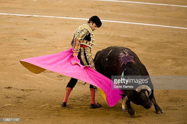 Bullfighter Jose Tomas performs during the last bullfight at the La Monumental on September 25 2011 in Barcelona SpainTop matadors including Jose...