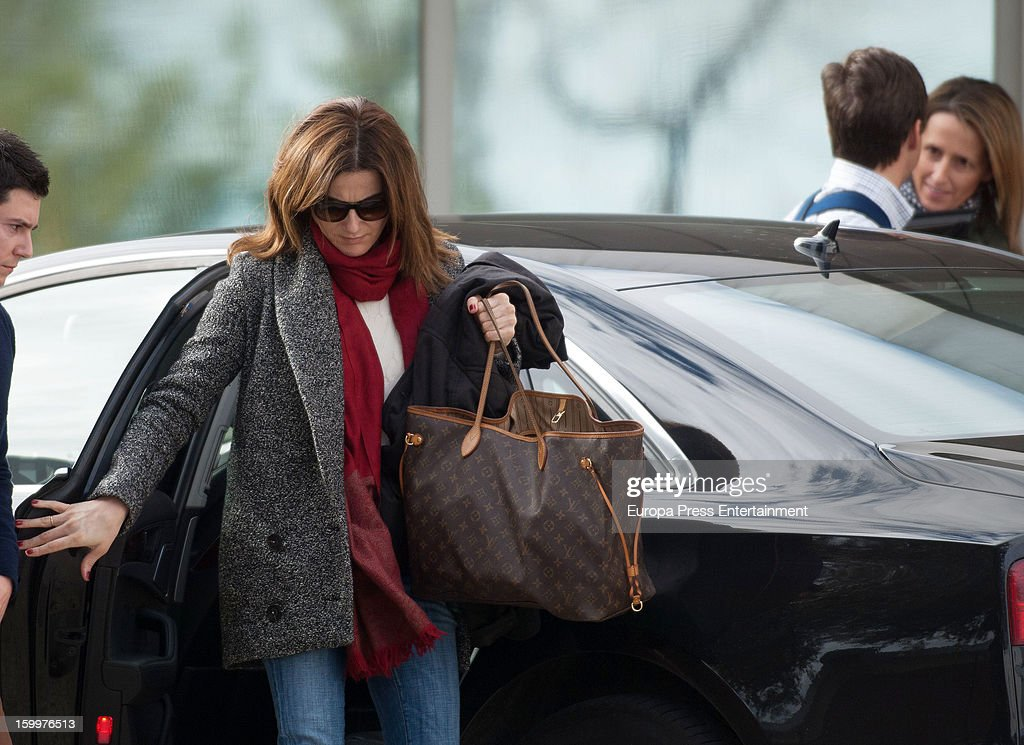 Bullfighter Julian Lopez 'El Juli' (2R) and his wife Rosario Domecq (L) are seen arriving at Ruber International Hospital on January 23, 2013 in Madrid, Spain. They decided to go to this Hospital after they and their twin-babies were involved in a car accident.