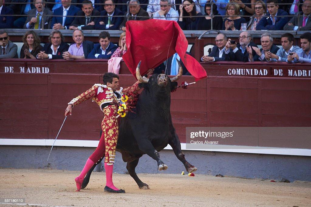 Bullfigther Jose Maria Manzanares performs during the San Isidro bullfight fair at Las Ventas bullring on June 1, 2016 in Madrid, Spain.