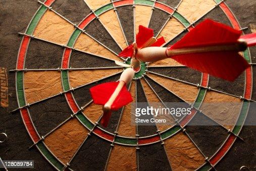 Bullseye with darts : Foto de stock