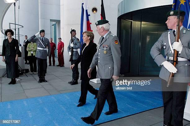 Bundeskanzlerin Angela Merkel anlässlich des Besuches des slowakischen Ministerpräsidenten in Berlin