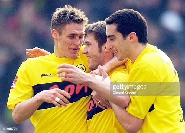 1 Bundesliga 02/03 Dortmund Borussia Dortmund Hannover 96 Jubel zum 10 Torsten FRINGS Sebastian KEHL Ahmed MADOUNI/Dortmund