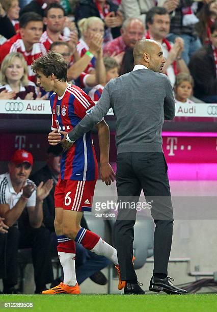 BUndesliga Debüt Gianluca Gaudino FC Bayern München Muenchen mit Trainer Coach Pep Josep Guardiola FC Bayern München Munich 1 Bundesliga Fussball FC...