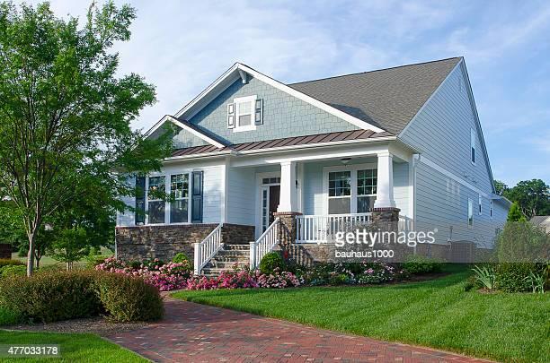 Bungalow foto e immagini stock getty images for Disegni casa bungalow