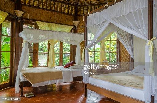 Bungalow y en un complejo turístico en Bali, Indonesia : Foto de stock
