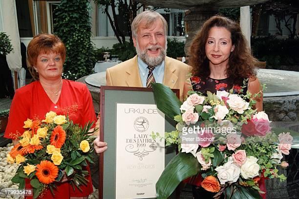 BunteBlumenweltLeserin Rita KellerFleuropPräsident Ludwig Angeli VickyLeandros FleuropLady des Jahres 1999'Urkunde Blumen Hamburg