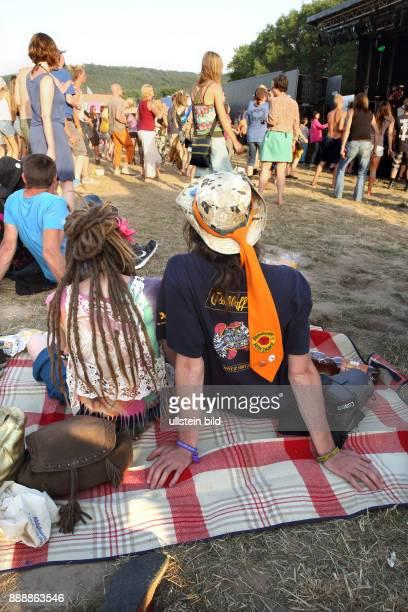 Burg Herzberg Festival 2015 In der Nähe der hessischen Gemeinde Breitenbach gelegen findet das Festival bereits seit 1968 statt und ist eines der...