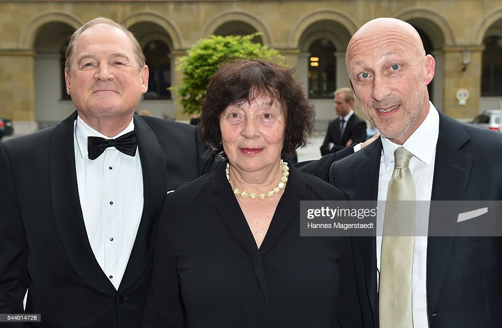 <a gi-track='captionPersonalityLinkClicked' href=/galleries/search?phrase=Burghart+Klaussner&family=editorial&specificpeople=723513 ng-click='$event.stopPropagation()'>Burghart Klaussner</a> and his wife Jenny Klaussner and <a gi-track='captionPersonalityLinkClicked' href=/galleries/search?phrase=Oliver+Hirschbiegel&family=editorial&specificpeople=217874 ng-click='$event.stopPropagation()'>Oliver Hirschbiegel</a> attends the Bernhard Wicki Award (Friedenspreis des Deutschen Films) during the Munich Film Festival 2016 at Cuvilles Theatre on June 30, 2016 in Munich, Germany.