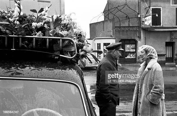 Burial Of Gerard Philippe In Ramatuelle France 27 Novembre 1959 Lors de l'enterrement de Gérard PHILIPE comédien et acteur de cinéma français son...