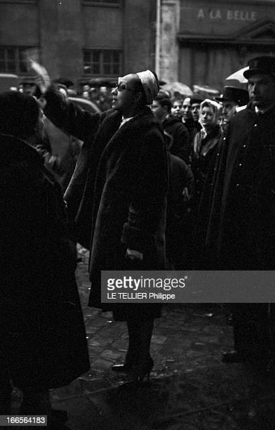 Burial Of Gerard Philippe In Ramatuelle Paris 26 Novembre 1959 Lors de l'enterrement de Gérard PHILIPE comédien et acteur de cinéma français dans une...