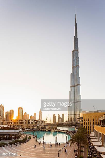 Burj Khalifa and Dubai Fountain pool