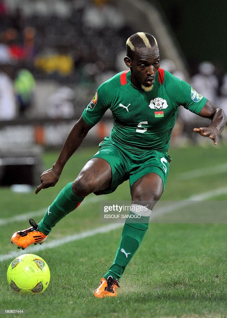 Burkina Faso national footbal team's defender Mohamed Koffi controls the ball during the 2013 African Cup of Nations quarter final football match against Togo on Februry 3, 2013 in Nelspruit.