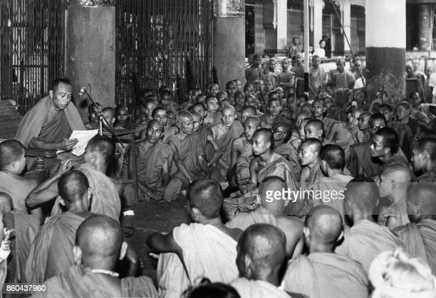 Burmese buddhist priests called 'Hpongyis' demonstrate during a peaceful hunger strike in front of the South vietnamese consulate 09 September 1963...