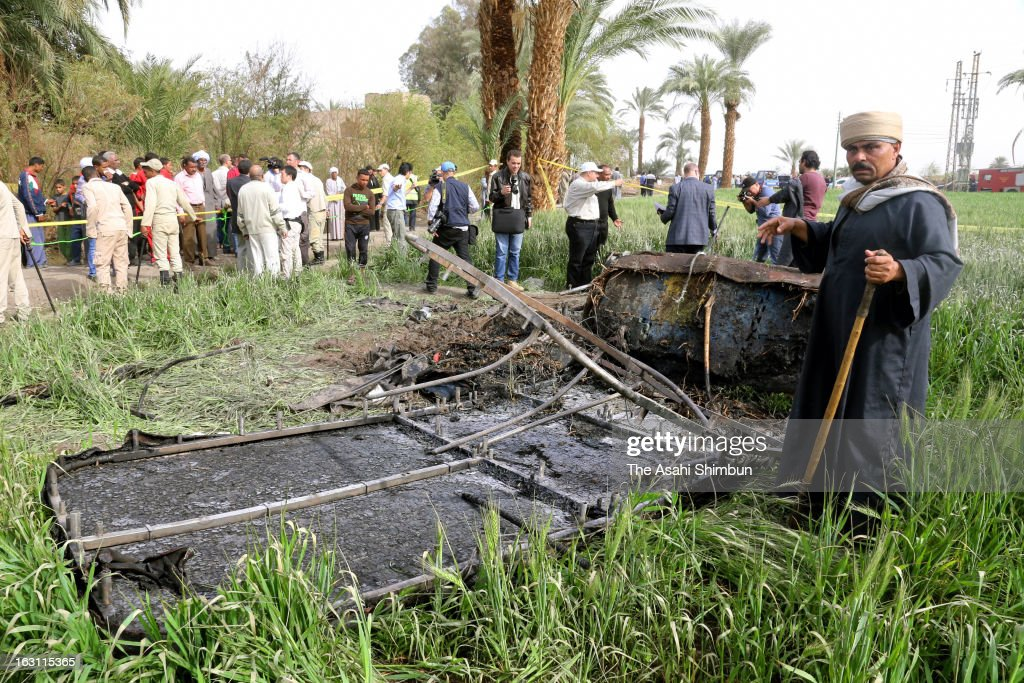 Burned wreckage of the crashed balloon remains on the ground on February 26, 2013 in Luxor, Egypt. 19 tourists including 4 Japanese were killed by the balloon crash in famous sightseeing spot in Egypt.