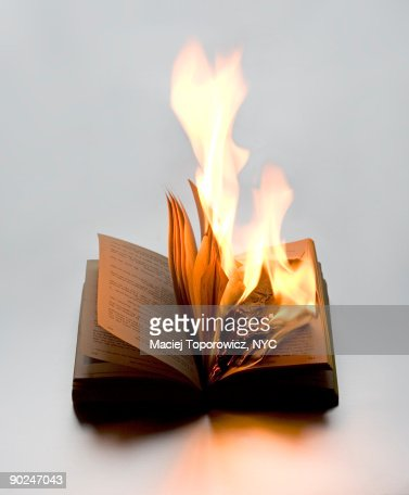 Burning Book : Bildbanksbilder