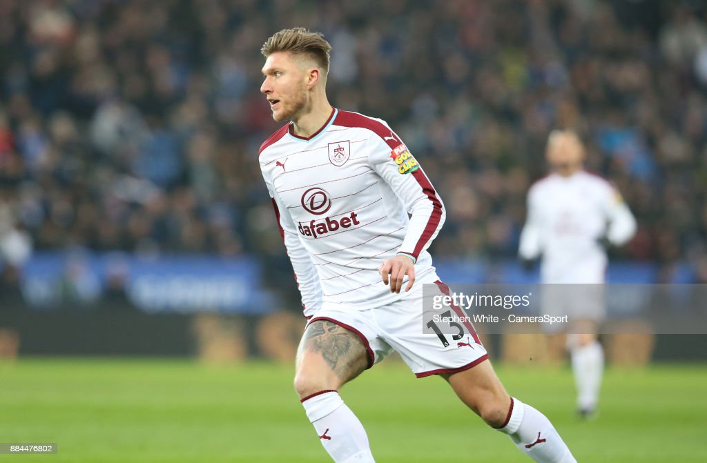 Burnley's Jeff Hendrick during the Premier League match between Leicester City and Burnley at The King Power Stadium on December 2, 2017 in Leicester, England.