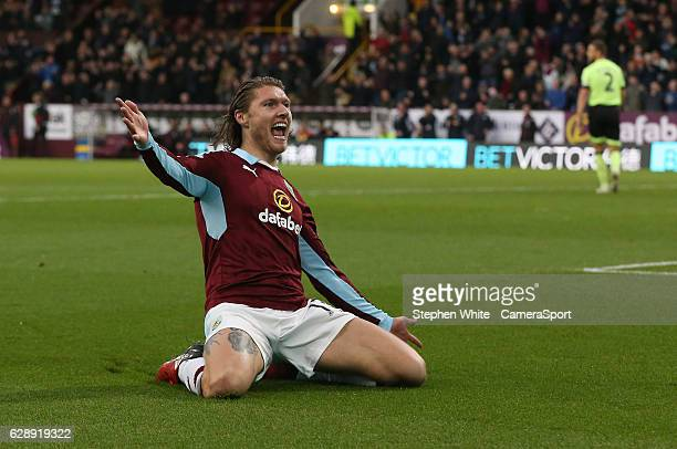 Burnley's Jeff Hendrick scores the opening goal during the Premier League match between Burnley and AFC Bournemouth at Turf Moor on December 10 2016...