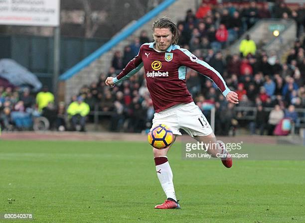 Burnley's Jeff Hendrick with a first half effort on goal during the Premier League match between Burnley and Middlesbrough at Turf Moor on December...