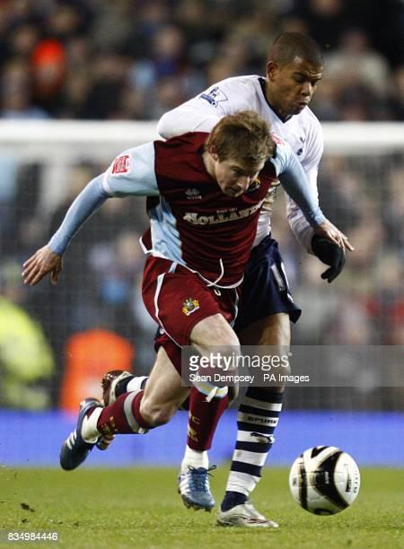 Burnley's Wade Elliott and Tottenham Hotspur's Fraizer Campbell battle for the ball