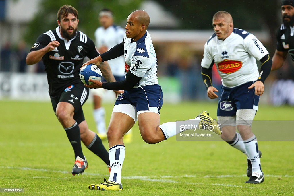 Burton Francis of Agen during the French Top 14 rugby union match between SU Agen v CA Brive at Stade Armandie on April 30, 2016 in Agen, France.