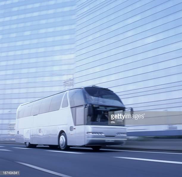 Bus en mouvement légèrement blured