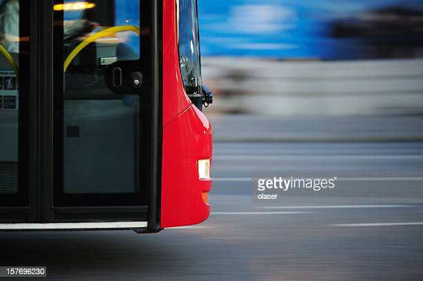 Autobus della città di traffico di ora di punta