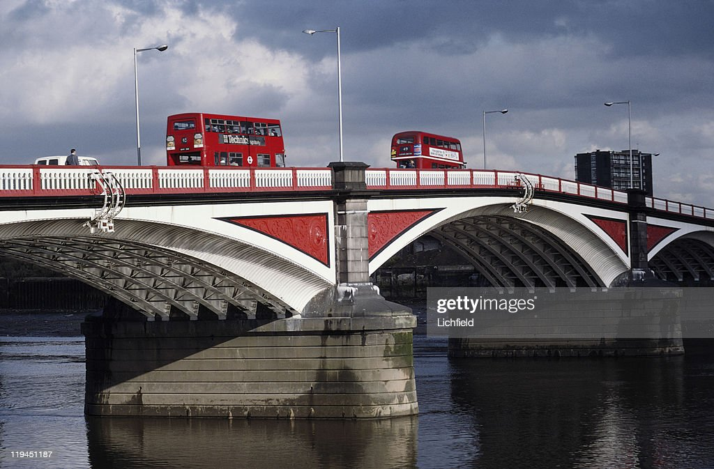 Buses on Battersea Bridge, Over the River Thames, London, 14th August 1978.